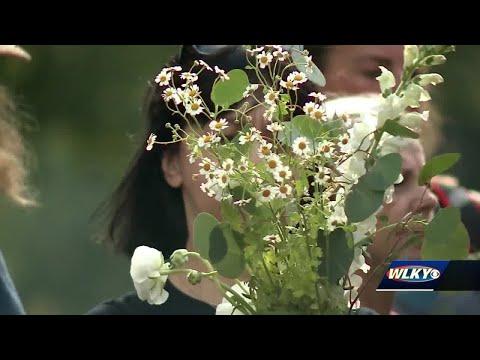 Vintage Flower Truck Brings Bouquets To Louisville