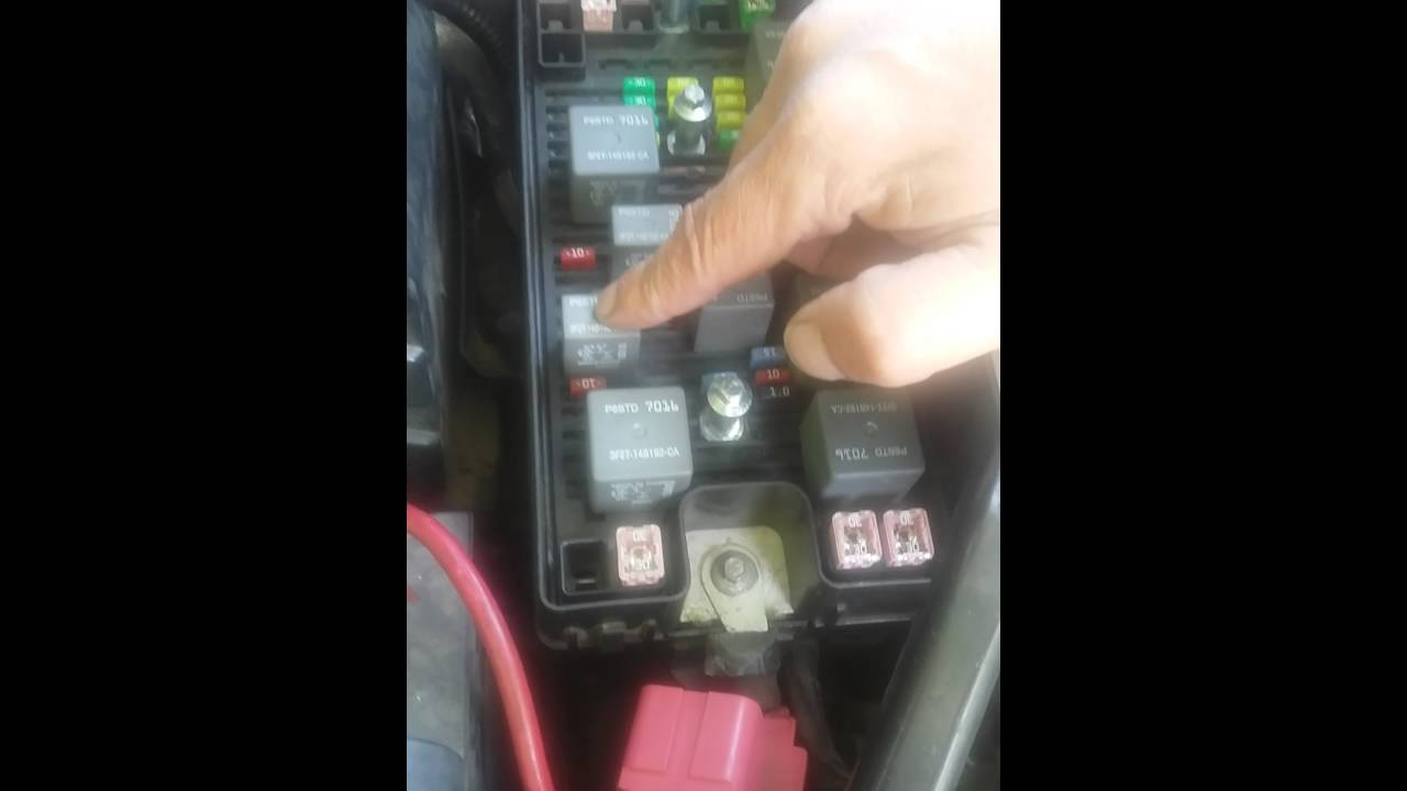 05 Ford Freestar Monterrey Fix To All Elictrical Problems Youtube Monterey 2006 Fuse Box Diagram