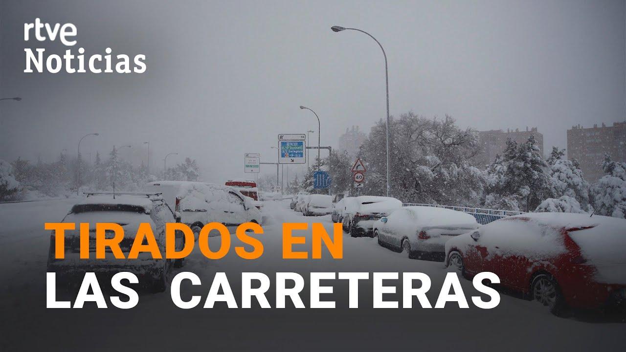 Download La odisea de CONDUCTORES Y PASAJEROS atrapados y bloqueados en las carreteras de MADRID | RTVE