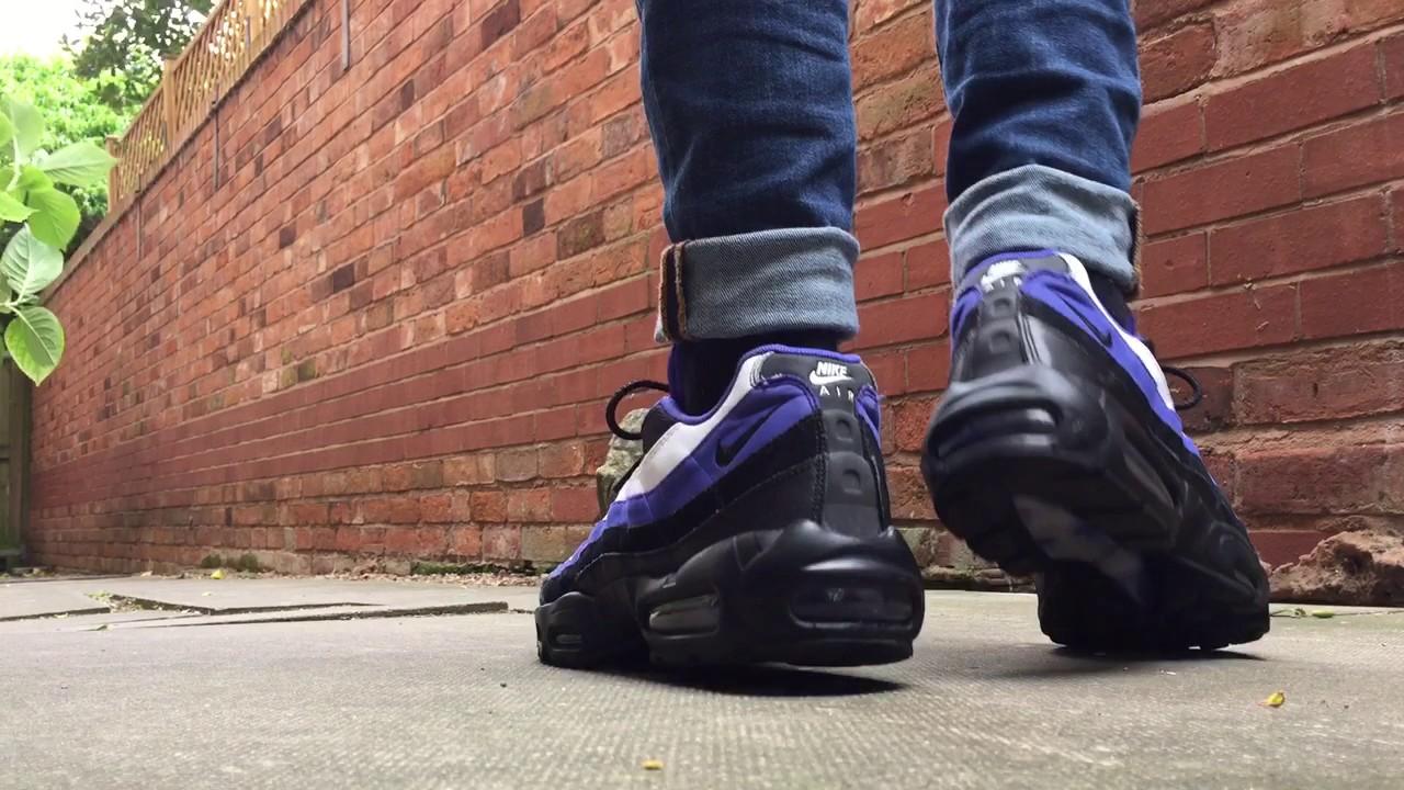 Nike air max 95 Persian violet (on feet)