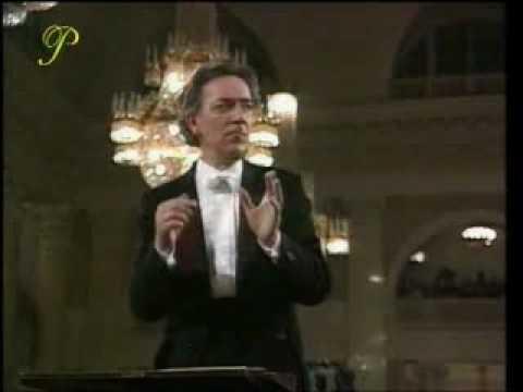 Tchaikovsky - 1812 Overture - Yuri Temirkanov - part 1