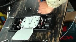 Сварка оптоволокна. Ввод кабелей в муфту(, 2012-10-09T13:46:15.000Z)