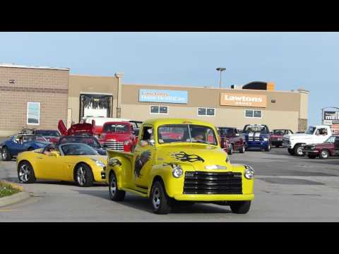The Roaring 20's Antique Auto Club cruises through Yarmouth. Part 1