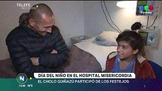 EL CHOLO GUIÑAZÚ FESTEJÓ CON LOS CHICOS EL DÍA DEL NIÑO EN EL HOSPITAL MISERICORDIA