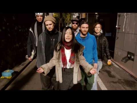 Käptn Peng & die Tentakel von Delphi in Tokyo feat. Mana Izumi: Der Anfang ist nah