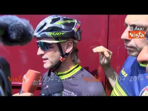 L'allenatore del Crotone Davide Nicola arriva a Torino dopo 1500 km in bici