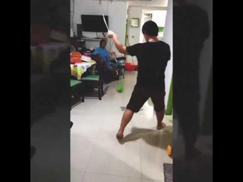 Diabolo/Chinese Yo-Yo 抖空竹dǒu kōng zhú