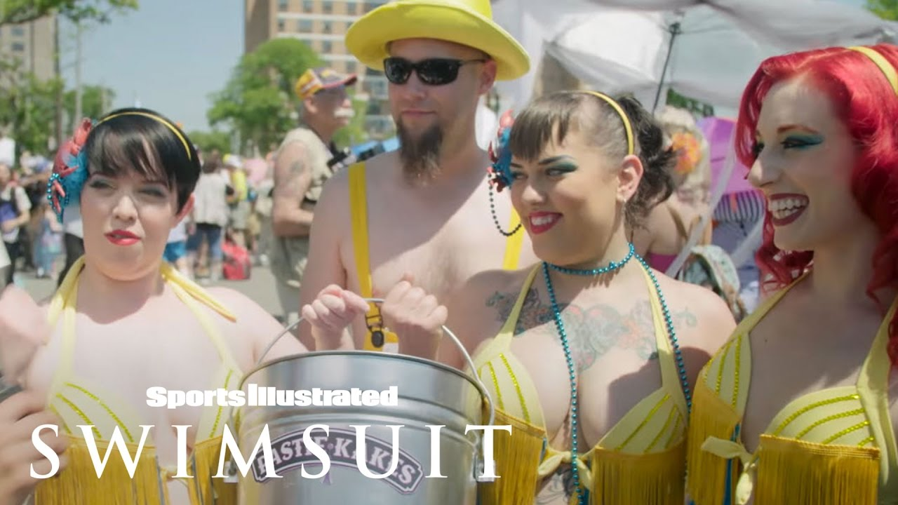 Model On The Street With Nina Agdal - The Mermaid Parade | Sports  Illustrated Swimsuit - YouTube