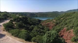 Lac du salagou  film dron'attitude  vu coté barrage et Mas Audran (34)