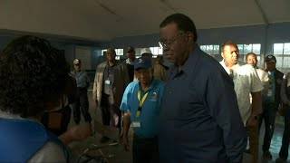 Gambar cover Namibian election: President Hage Geingob casts vote | AFP