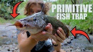 Primitive fish TRAP Survival/Hunting in the WILD!