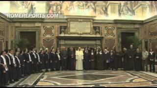 Papa a religiosas de Oriente Medio: Rezad para que acabe persecución de guante blanco