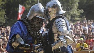 Сражения в средневековых доспехах на фестивале в Сербии