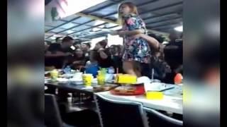 Video [Viral] Kehilangan Anak, Ibu Muda Ini Berteriak Histeris di Restoran - BIS 08/04 download MP3, 3GP, MP4, WEBM, AVI, FLV Oktober 2018