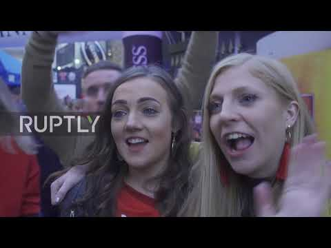 UK: Wales fans party in Edinburgh after 18-11 victory over Scotland