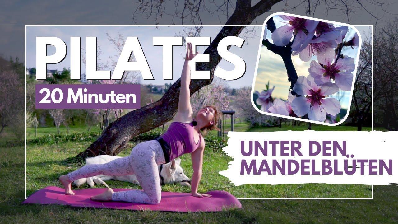 kostenloses Pilatesvideo unter den Mandelblüten Gimmeldingens