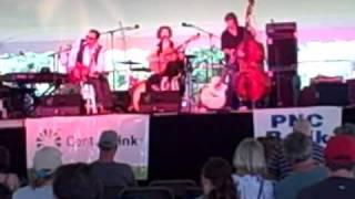 "Peter Karp and Sue Foley - ""Mhm"" - Skylands Music Festival - 8/22/2010"