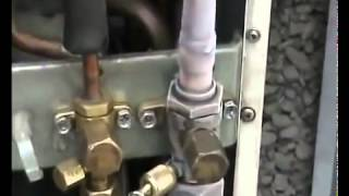 Ремонт кондиционера - заправка кондиционера фреоном r22(В видео показан процесс заправки кондиционера фреоном. http://remont-condicionera.kiev.ua., 2014-04-22T09:12:11.000Z)