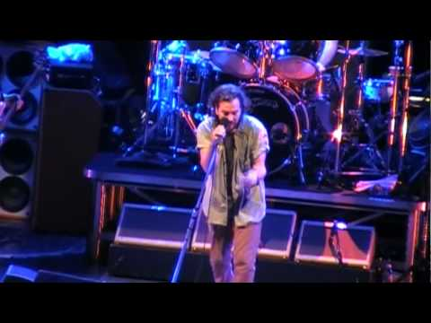 Pearl Jam- All Those Yesterdays (Los Angeles '09) HD