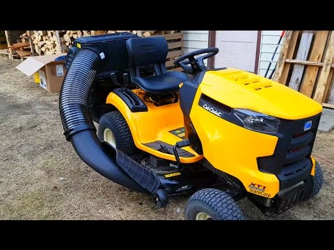 Cub Cadet Bagger Unboxing And First Use