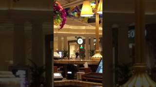 Repeat youtube video Bellagio lobby robbery