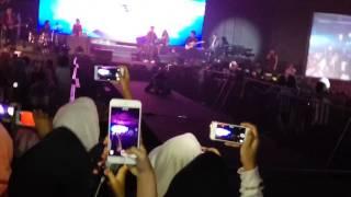 Video Harris J sings Love Who You Are at Gandaria City Jakarta In Indonesia (VLOG)5 download MP3, 3GP, MP4, WEBM, AVI, FLV April 2018