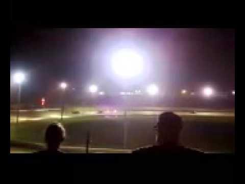 Joe long wins heat race at Batesville motor speedway