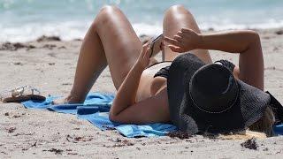 Sexy Hollywood Beach Girls