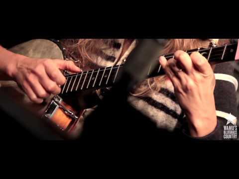 Béla Fleck & Abigail Washburn - New South Africa [Live at WAMU's Bluegrass Country]