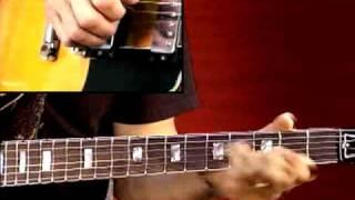 Blues Guitar Lesson - Larry Carlton - 335 Blues - B Minor Blues: Soloing