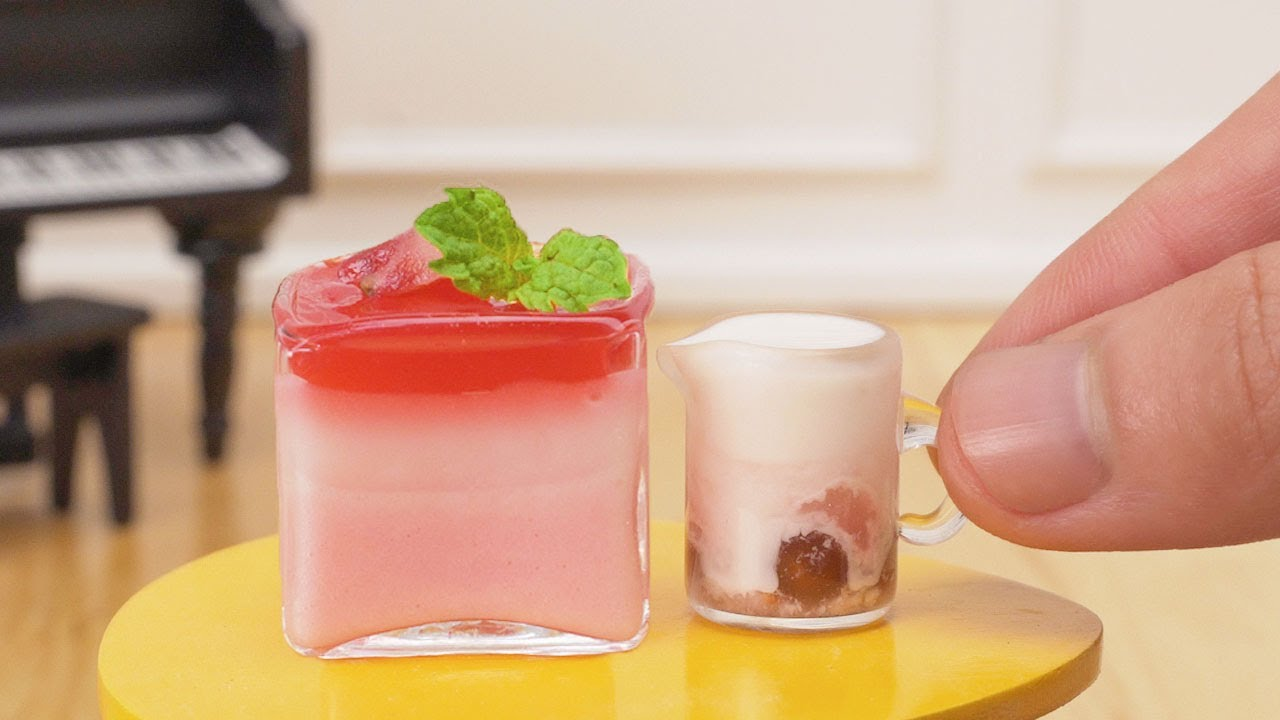 Miniature Strawberry Makes Your Strawberry Mousse & Strawberry Bubble Tea | Tiny Cakes Hack #1