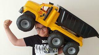 Buğra Süt İçti Güçlendi. Strong Child Fun Kids Video