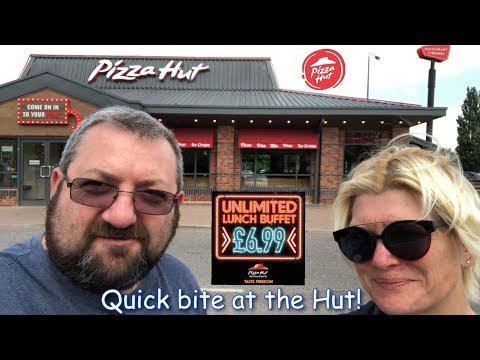A Quick Snack At The Pizza Hut Buffet In Wakefield.