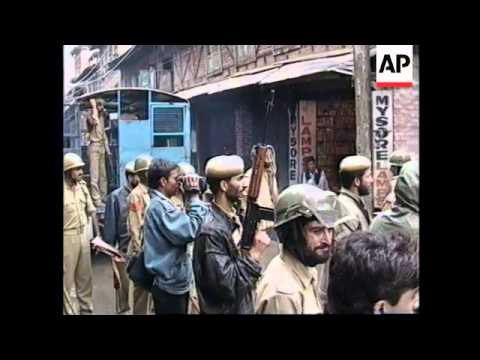 INDIA: KASHMIR: MUSLIMS CLASH WITH POLICE