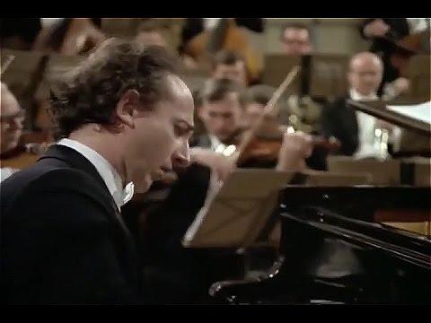 Mozart -Piano Concerto No 23 A major K 488, Maurizio Pollini, Karl Bohm