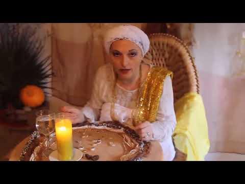 Mãe Elisabete D'Oxum- jogo de búzios