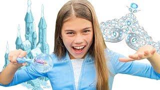 Nastya geht in den Urlaub von Elsa Artem und hilft bei der Auswahl eines Video Outfits für Kinder