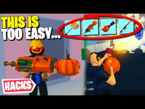I Can Only Use HALLOWEEN WEAPONS In Strucid... (Roblox)
