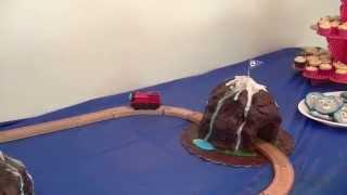 Thomas Mountain Cake with Moving Train