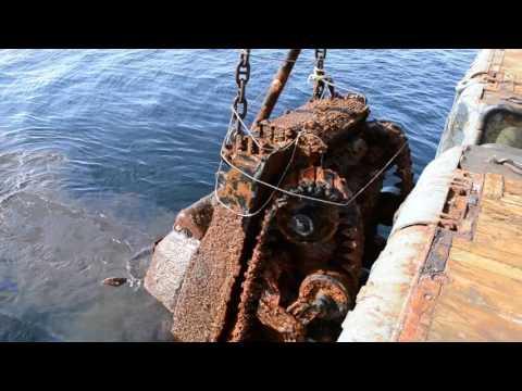 "Lifting tanks ""Sherman"" sunken in 1945 transport vessel ""Thomas Donaldson"""