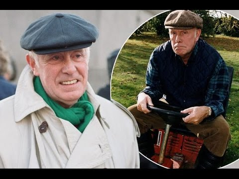 Richard Wilson Heart Attack Life Story   Victor Meldrew One Foot In The Grave