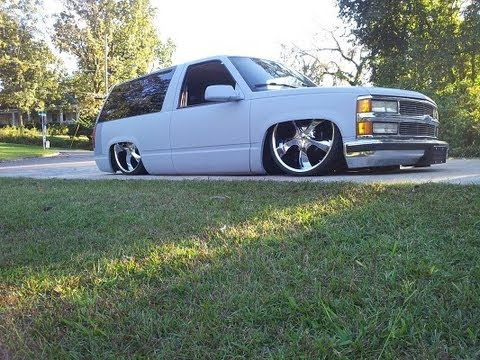 BAGGED STOCK FLOOR BODYDROPPED CHEVY TAHOE ON 24'S - YouTube
