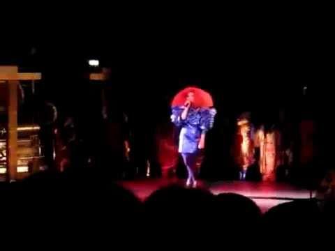 Björk - Thunderbolt - Live @MIF (03.07.2011) GOOD QUALITY.avi