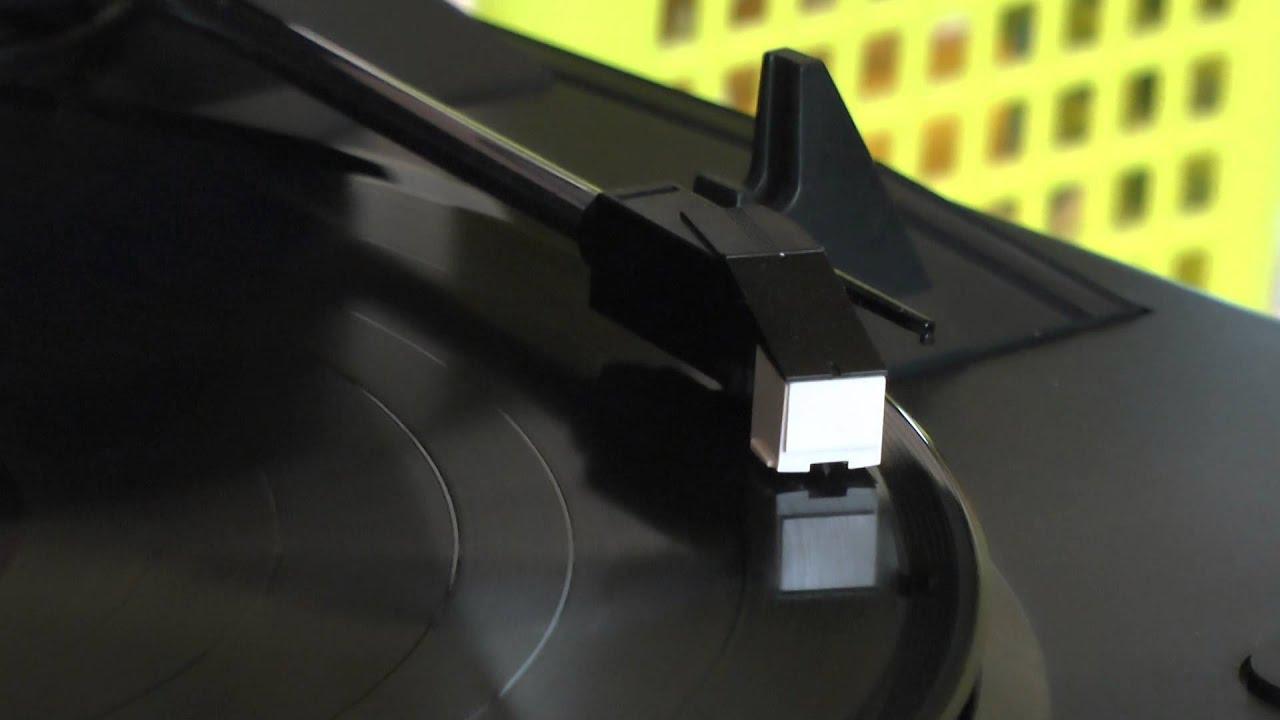 Проигрыватель виниловых дисков AKAI pro BT100