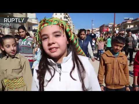 Siria: niños kurdos marchan contra los bombardeos de Turquía