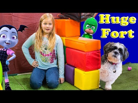 Assistant Huge Fort and Bounce House with Wiggles Vampirina and PJ Masks