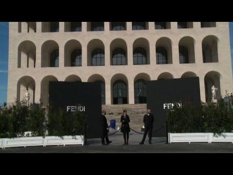 Fendi fa rinascere il palazzo della civilt italiana all for Palazzo della civilta italiana fendi
