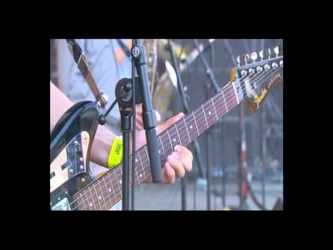 Les Hurlements d'Léo - Eurockéennes 2011 Main Stage #2 - La Piave Live