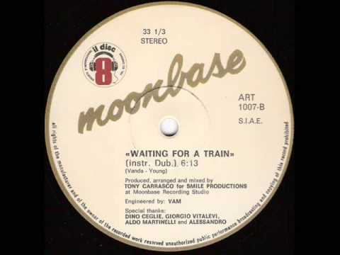 moonbase waiting for a train il discotto art1007 1983