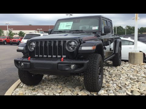 2020 Jeep Gladiator In-Depth Review & Start-Up
